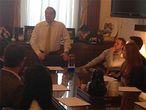 IL Senator John Cullerton with dental students